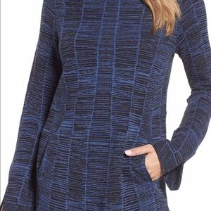NIC AND ZOE  Blue Tunic Sweater, with Pockets, SP